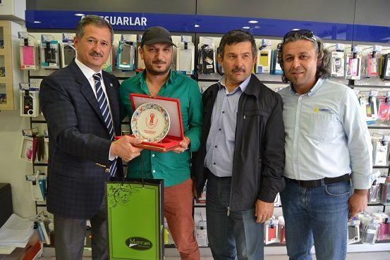 Soydemir'den En Başarılı Mağaza Çalışanlarına Ziyaret