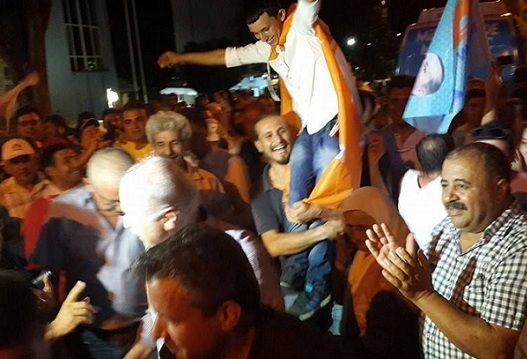Fethiye�de �kinci Olan Ak Parti Kutlama Yapt�